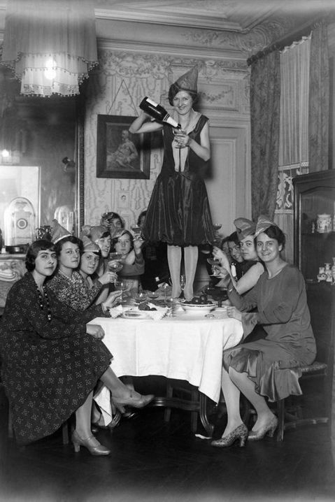 1920s-New-years-eve-party-getty-images