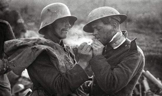 Christmas-1914-truce-2-6ed3zrmcr5fuxo3d7ycxm0zn3p9g8345lqm0eiprwld