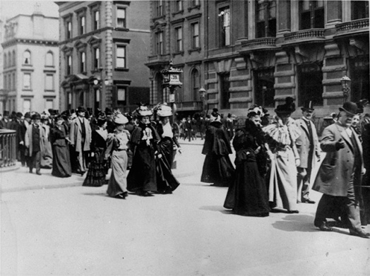 Easter_parade_Fifth_Avenue_1890