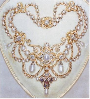 Dagmar-Necklace-1